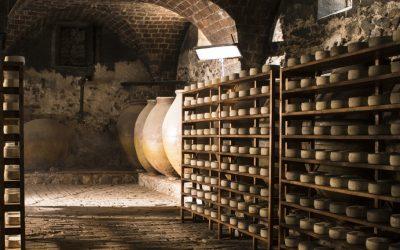 Las Cavas, un lugar mágico donde los aromas y silencios hablan de queso y origen