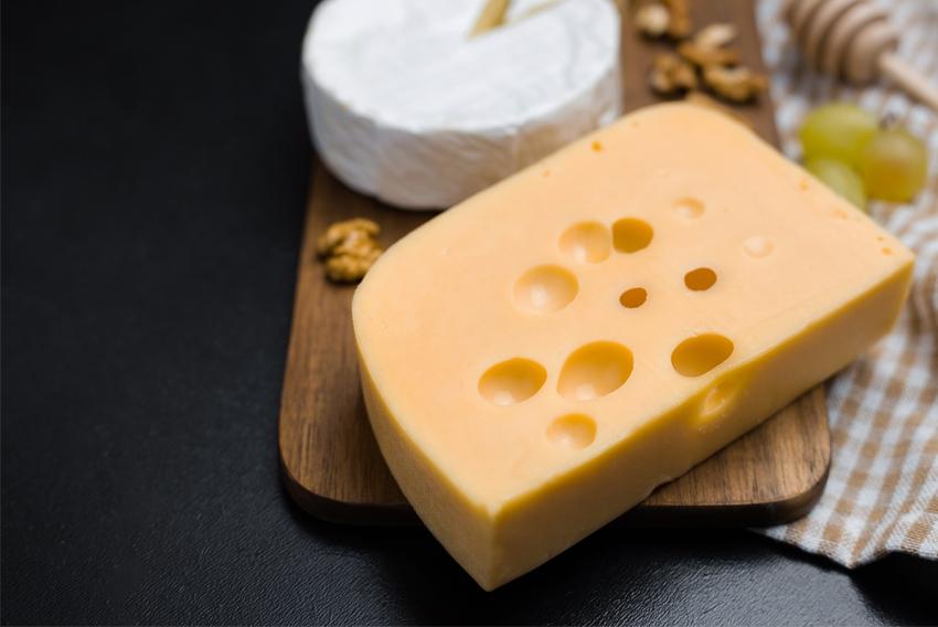 los agujeros artificiales son los ojos del queso. Un aspecto del queso a observar en una cata de queso como la de García Baquero