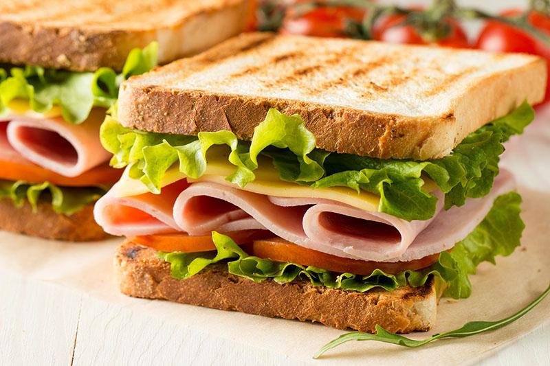 cenas ligeras García Baquero: sandwich de pavo y queso en Loncha Light. Una alternativa para que tus cenas sean más sanas