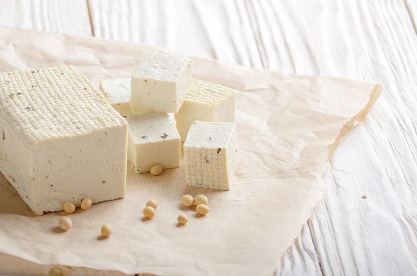 Conservar queso tierno García Baquero, envuélvelo en papel de horno y mételo a la nevera, podrá respirar y sin secarse