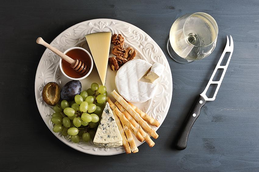 Cuchillo para cortar queso: cuchillo de hoja perforada para cortar quesos frescos, tiernos y el semicurado García Baquero
