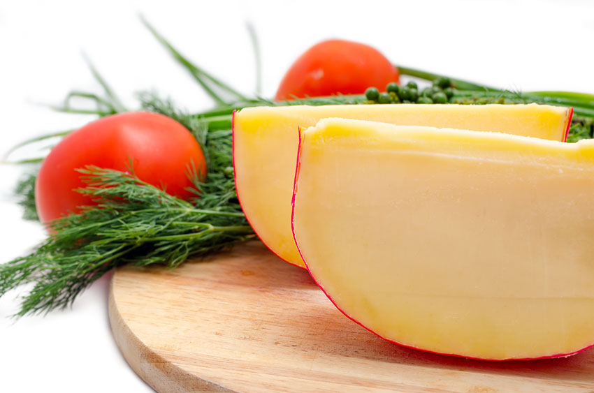 Quesos internacionales: el queso Edam neerlandés. El popular queso de bola con sabor suave y aromas a mantequilla