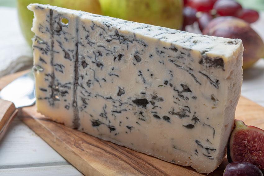 Quesos internacionales: el queso Gorgonzola de Italia. El queso azul cmás antiguo del mundo con un sabor único