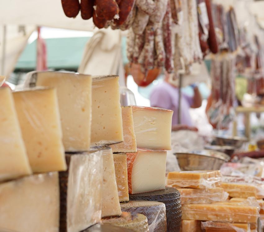De Ruta quesera por La Mancha con García Baquero. Tomelloso (Albacete) donde podrás catar quesos manchegos deliciosos