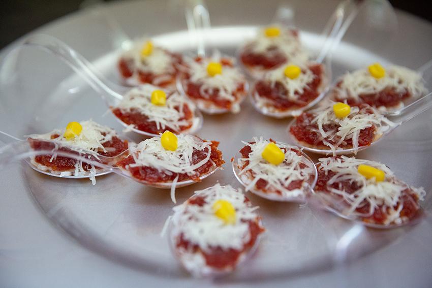 Feria de la tapa con queso de Miajadas. Tapa: cucharaditas dulces con queso Curado Maestría García Baquero